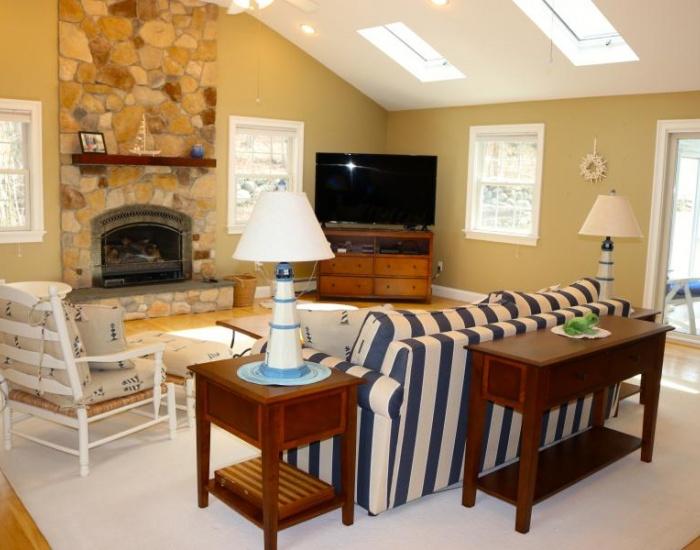 20 Leaward, Westerly, Rhode Island 02891, 3 Bedrooms Bedrooms, ,2.5 BathroomsBathrooms,Watch Hill (Rental),For Rent,Leaward,1037