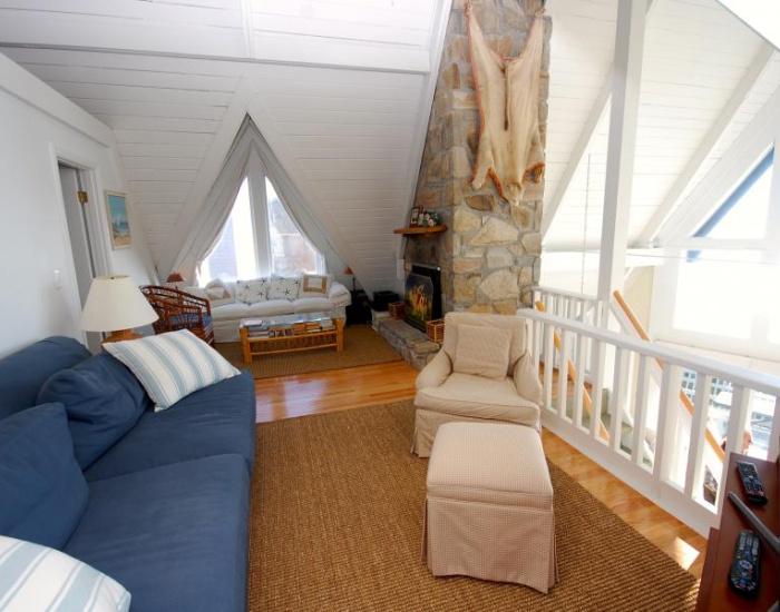 453 Atlantic Ave, Westerly, Rhode Island 02891, 3 Bedrooms Bedrooms, ,3 BathroomsBathrooms,Other (Rental),For Rent,Atlantic Ave,1039