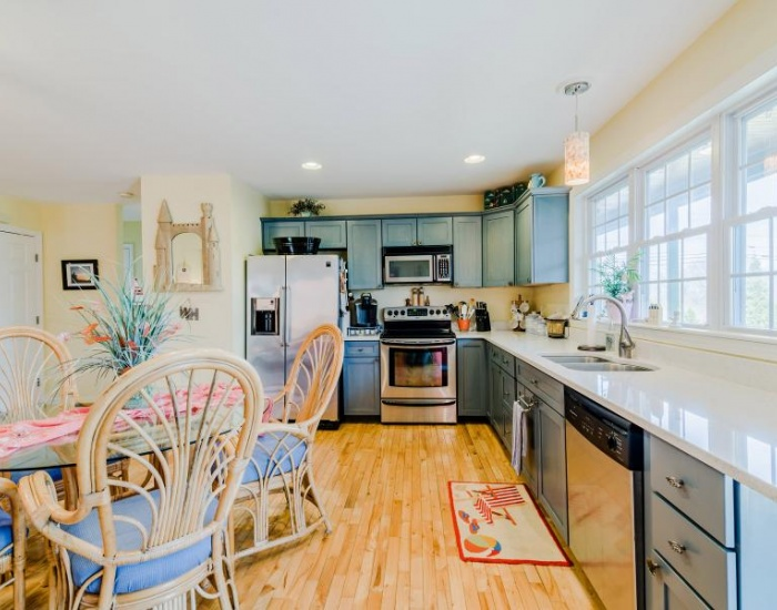 208 Watch Hill Rd, Westerly, Rhode Island 02891, 3 Bedrooms Bedrooms, ,2 BathroomsBathrooms,Watch Hill (Rental),For Rent,Watch Hill Rd,1041
