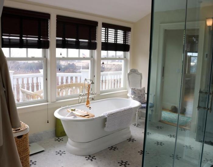 10 Knowles Ave, Westerly, Rhode Island 02891, 4 Bedrooms Bedrooms, ,3.5 BathroomsBathrooms,Weekapaug (Rental),For Rent,Knowles Ave,1004